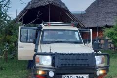 Nairobi-park-tours-landcruiser-39