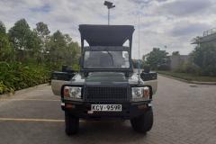 Nairobi-park-tours-open-jeep-27
